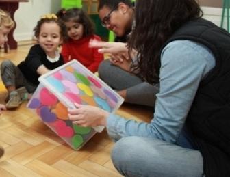 O relato da professora Danusa Moura, sobre a experiência em educação infantil inclusiva, foi agraciado pelo Prêmio Paratodos de Inclusão Escolar 2017.